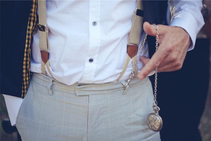 Découvrez notre modèle de bretelles à bouton couleur beige